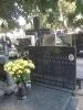 Uczniowie odwiedzili groby zmarłych nauczycieli
